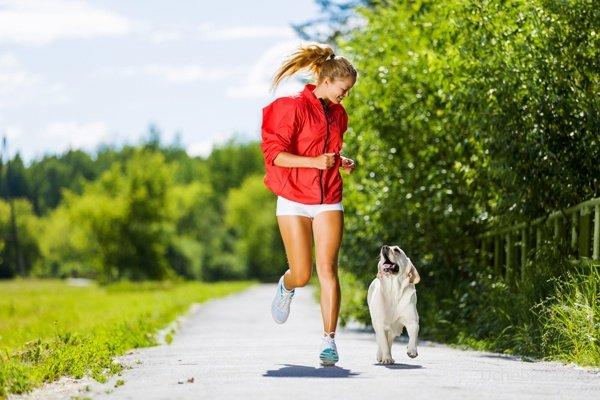 бег для похудения ног и бедер программа